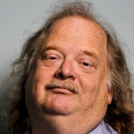 Jonathan Gold Headshot