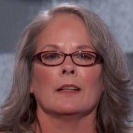 Pam Livengood Headshot