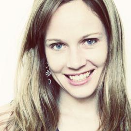Claire Diaz-Ortiz Headshot