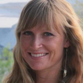 Janna Peskett Headshot