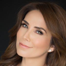 Laura Posada Headshot