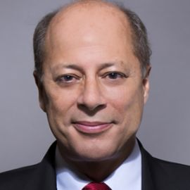 Andres Tapia Headshot