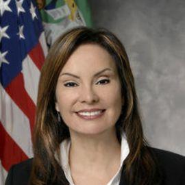 Rosie Rios Headshot