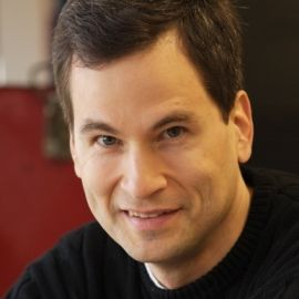 David Pogue Headshot