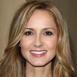 Chely Wright Headshot