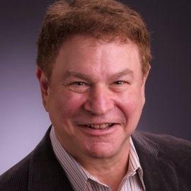 Robert Wuhl Headshot