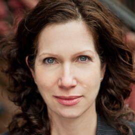 Amy Waldman Headshot