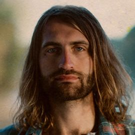 Ryan Hurd Headshot