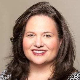 Megan Lynn Isenhower Frampton Headshot