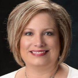 Lori Buxton Headshot