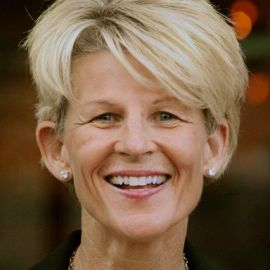 Sue Enquist Headshot