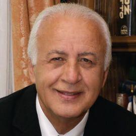 Ari Babaknia, M.D. Headshot