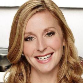 Christina Tosi Headshot