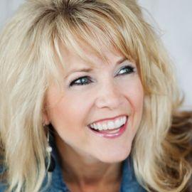 Susie Larson Headshot