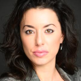 Katerina Cozias Headshot