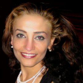Lily Mazahery Headshot