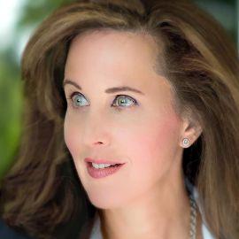 Deborah Perry Piscione Headshot