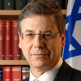 Daniel Ayalon Headshot