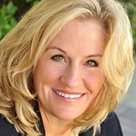 Sharon Schweitzer Headshot