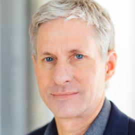 Chris Larsen Headshot