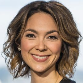 Emily Chang Headshot