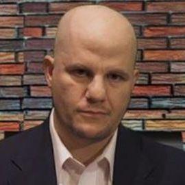Josh Bernstein Headshot