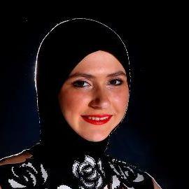 Zahra Lari Headshot