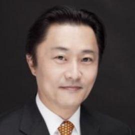 Youngcho Chi Headshot