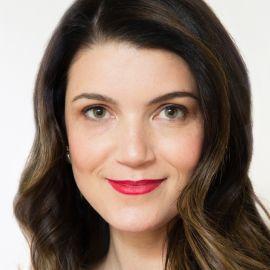 Anna Auerbach Headshot