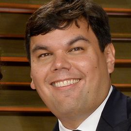 Robert Lopez  Headshot