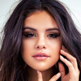 Selena Gomez Headshot