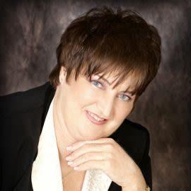 Dr. Helen Turnbull Headshot