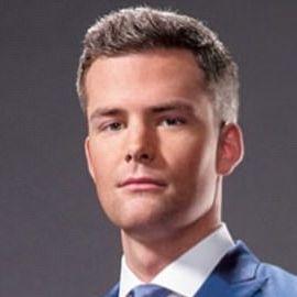Ryan Serhant Headshot