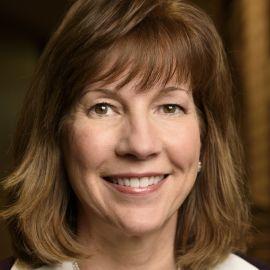 Lynne Doughtie Headshot