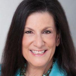 Elaine Fogel Headshot