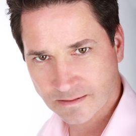 Dan Eckelman Headshot