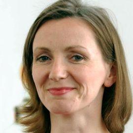 Anna Burns Headshot
