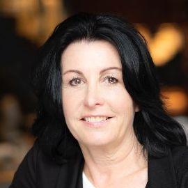Kelly Palmer Headshot