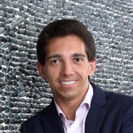 Caio Proiete Headshot
