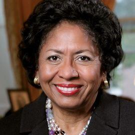 Dr. Ruth Simmons Headshot