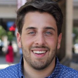 Steven Mazur Headshot