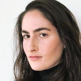Hannah Levy Headshot