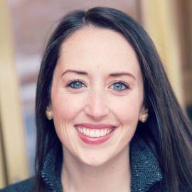Lauren Blodgett Headshot