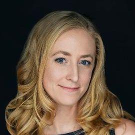 Lauren Moxley Headshot