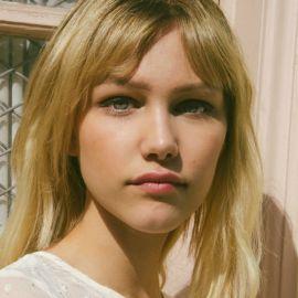Grace VanderWaal Headshot