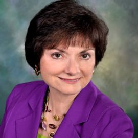 Sue Bredekamp Headshot