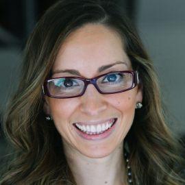 Leah Busque Headshot