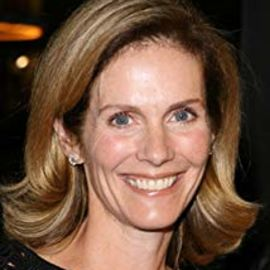 Julie Hagerty Headshot
