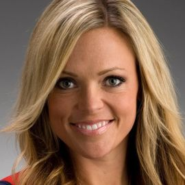 Jennie Finch Headshot