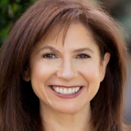 Naomi Levy Headshot